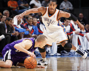 Photo - Kevin Ollie Thunder guard