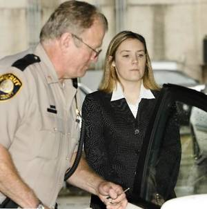 Photo -   Raye  Dawn  Smith, 27, was sentenced to 27 years in prison by Judge Paul Vassar in a courtroom in Bristow, Ok, Monday morning, September 10, 2007. By Jim Beckel