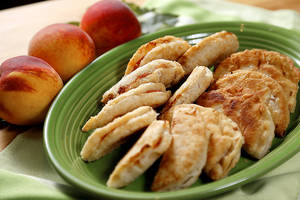 photo - Fried peach pies in Oklahoma City, Tuesday, July 17, 2012. Photo by Bryan Terry, The Oklahoman