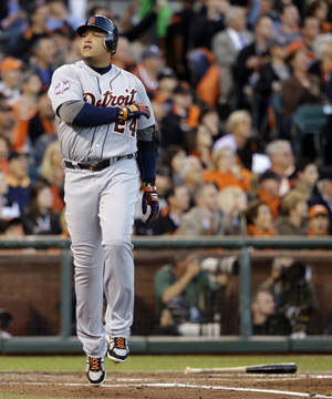 photo -   Detroit Tigers' Miguel Cabrera reacts after lining out to San Francisco Giants third baseman Pablo Sandoval during the fourth inning of Game 2 of baseball's World Series Thursday, Oct. 25, 2012, in San Francisco. (AP Photo/David J. Phillip)