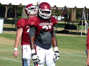 photo - Oklahoma defensive lineman Charles Tapper. PHOTO COURTESY SOONERSPORTS.COM