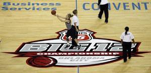 Photo - BIG 12 TOURNAMENT / WOMEN'S COLLEGE BASKETBALL / PRACTICE: A University of Missouri player shoots a half court shot at the end of the Tigers practice at the Big 12 Women's Basketball Championships in the Cox Convention Center in Oklahoma City, Oklahoma, on Wedesday, March 11, 2009.   PHOTO BY STEVE SISNEY, THE OKLAHOMAN ORG XMIT: KOD <strong>STEVE SISNEY - THE OKLAHOMAN</strong>