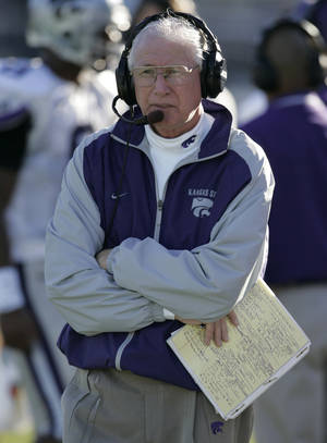 Photo - Nov 6, 2004; Columbia, MO, USA;  Head coach Bill Snyder of the Kansas State University Wildcats watches his team against  the University of Missouri Tigers at Memorial Stadium in Columbia, Mo. The Wildcats beat the Tigers 35-24. Mandatory Credit: Photo by Dilip Vishwanat-US PRESSWIRE (©) Copyright 2004 by Dilip Vishwanat