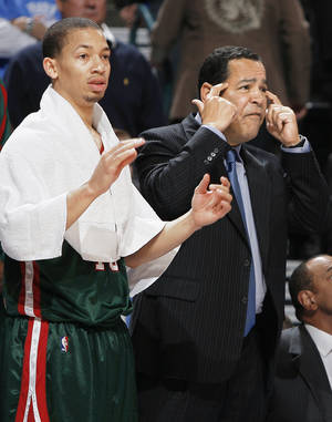 Photo - Bucks assistant Kelvin Sampson returns to Oklahoma tonight when Milwaukee faces the Thunder at the Ford Center. Photo BY BRYAN TERRY, THE OKLAHOMAN archive