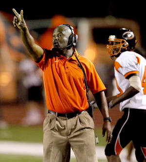 Photo - Booker T. Washington coach Darrell Hall has been hired to take over the Midwest City program. Photo by Bryan Terry, The Oklahoman