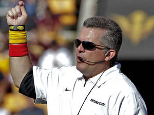 photo -   Arizona State head coach Todd Graham yells to his team during the second half of an NCAA College football game against UCLA, Saturday, Oct. 27, 2012, in Tempe, Ariz. (AP Photo/Matt York)