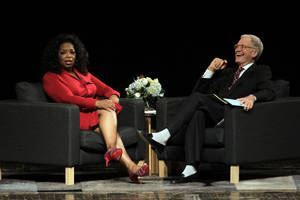 "Photo -   Ball State University alumnus David Letterman, right, host of CBS's ""Late Show,"" interviews Oprah Winfrey at Ball State University in Muncie, Ind., Monday, Nov. 26, 2012. The conversation is part of the David Letterman Distinguished Professional Lecture and Workshop Series. (AP Photo/Michael Conroy)"