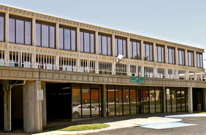 Photo - A  Wells Fargo entity has filed a foreclosure action against troubled Lincoln Plaza Office Park, 4545 N Lincoln Blvd., which never recovered from hail damage and floods in 2010. <strong>CHRIS LANDSBERGER - The Oklahoman</strong>