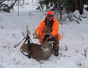 Wildlife commissioner says best hunting for big bucks is in the middle of the day