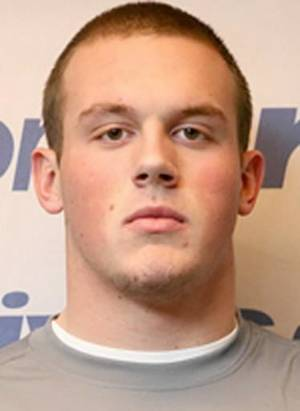 photo - Justin  Chaisson, Four-star defensive end from Las Vegas has committed to OU