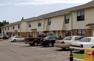 Photo - Willow Run Apartments, 1025 NW 86, sold earlier this year for $3.5 million. Photo by Bryan Terry, The Oklahoman <strong>BRYAN TERRY</strong>