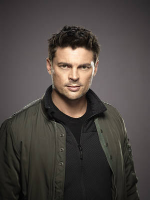 "Photo - Karl Urban stars as Det. John Kennex in ""Almost Human."" FOX PHOTO <strong></strong>"