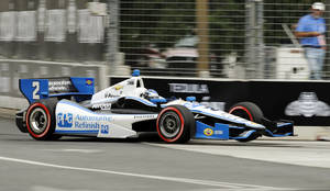 photo -   Ryan Briscoe, of Australia, competes during the IZOD IndyCar Grand Prix of Baltimore auto race, Sunday, Sept. 2, 2012, in Baltimore. (AP Photo/Nick Wass)
