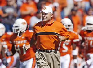 Photo - Most of the improprieties described in the Sports Illustrated piece on Oklahoma State, began and continued during Les Miles time as the Cowboys' head coach. Miles has denied any wrongdoing. OKLAHOMAN ARCHIVE PHOTO
