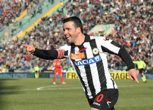 photo - Udinese's Antonio Di Natale celebrates after scoring, during the Serie A soccer match between Udinese and Inter Milan, at the Friuli Stadium in Udine, Italy, Sunday, Jan. 6, 2013. (AP Photo/Paolo Giovannini)
