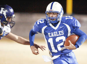photo - Hennessey&amp;#8217;s Caleb Weaver, left, is moving to wide receiver this season. PHOTO BY BRYAN TERRY, THE OKLAHOMAN ARCHIVE