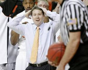 Photo - OSU coach  Travis  Ford reacts during the final seconds of the Big 12 college basketball game between Oklahoma State and Missouri at Gallagher-Iba Arena in Stillwater, Okla., Wednesday, Jan. 21, 2009. PHOTO BY BRYAN TERRY