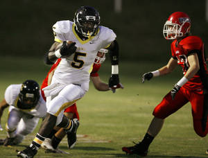 photo - Madill running back Darryl Fields committed to Southern Methodist. PHOTO BY STEVE SISNEY, THE OKLAHOMAN
