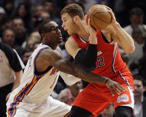 Photo -   New York Knicks' Amare Stoudemire (1) defends Los Angeles Clippers' Blake Griffin (32) during the first half of an NBA basketball game, Wednesday, April 25, 2012, in New York. (AP Photo/Frank Franklin II)