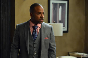 "Photo - This image released by ABC shows Columbus Short portraying Harrison Wright in a scene from the TV series, ""Scandal."" The 31-year-old actor says in a statement on Friday, April 25, 2014, he's exiting the ABC political thriller after three seasons.   (AP Photo/ABC, Eric McCandless)"