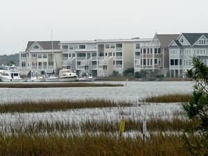 photo -   A development along the Intracoastal Waterway in Mount Pleasant, S.C., is seen in this photograph taken on Wednesday, Nov. 14, 2012. Scientists at Clemson University and Georgia Tech have proposed it could be possible to raise the coastline during an era of sea level rise by injecting sediment-laden slurry into fractures beneath the earth's surface. (AP Photo/Bruce Smith).