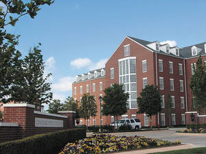 photo - OFFICE BUILDING EXTERIOR: A building on the campus of Chesapeake Energy Corp. in northwest Oklahoma City is shown.  <strong>Jim Stafford - Staff</strong>
