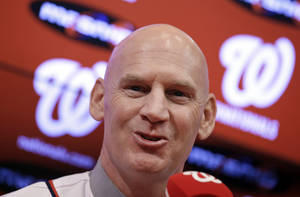 Photo - Matt Williams addresses the media after he is introduced as the new manager of the Washington Nationals baseball team during a news conference at Nationals Park, Friday, Nov. 1, 2013, in Washington. (AP Photo/Alex Brandon)