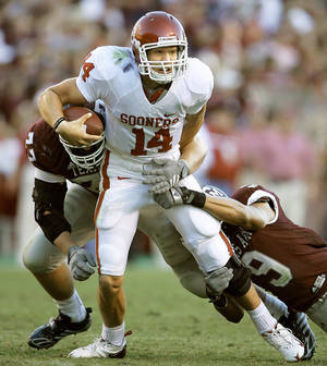 Photo - OU has lots of great talent coming back in 2009, but it will also be helped by leaders like Sam Bradford. PHOTO BY BRYAN TERRY, THE OKLAHOMAN