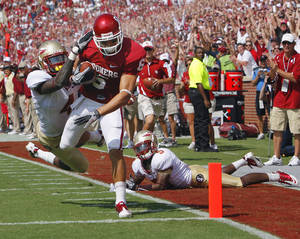 Photo - Cameron Kenney caught four passes for 73 yards and a touchdown in Oklahoma's win over Florida State on Saturday. PHOTO BY STEVE SISNEY, THE OKLAHOMAN