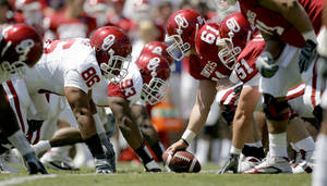 Photo - Ben Habern (61) is returning as the starting center for Oklahoma this season. PHOTO BY BRYAN TERRY, THE OKLAHOMAN ARCHIVE