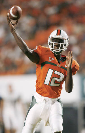 Photo - Quarterback Jacory Harris is hoping to help No. 17 Miami get its swagger back after last week's 31-7 loss to Virginia Tech.   AP PHOTO