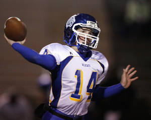 Photo - Piedmont quarterback Cole Davis is back this season. Photo by Steve Sisney, The Oklahoman