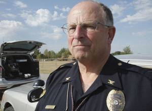 photo - MURDER / SHOOTING DEATH: Mustang police chief Chuck Foley describes the events surrounding the Tuesday night death of Nichols Hills Fire Chief Keith Bryan on Wednesday, September 21, 2011, in Mustang, Okla.   Photo by Steve Sisney, The Oklahoman ORG XMIT: KOD