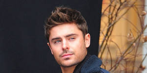 "Photo - NEW YORK, NY - DECEMBER 20: Zac Efron is seen on  the set of ""Are we offically dating?"" at Streets of Manhattan on December 20, 2012 in New York City. (Photo by Alo Ceballos/FilmMagic)"