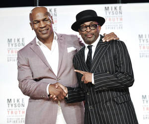 "Photo -   Former heavyweight boxer Mike Tyson, left, and director Spiken Lee announce ""Mike Tyson: Undisputed Truth"", a one man show on Broadway starring Mike Tyson, on Monday June 18, 2012 in New York. (Photo by Evan Agostini/Invision)"