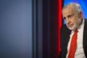 Photo - Billionaire activist-investor Carl Icahn gives an interview on FOX Business Network's Neil Cavuto show in New York February 11, 2014. REUTERS/Brendan McDermid