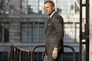 "Photo - Daniel Craig as James Bond, with his trusty Walther PPK in hand in the action thriller ""Skyfall."" SONY PICTURES PHOTO <strong></strong>"