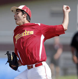 photo - HIGH SCHOOL BASEBALL / STATE TOURNAMENT: Dale's Evan Anderson pitches against Latta during the Class A state baseball tournament at Edmond Memorial on Thursday, October 6, 2011. Photo by Bryan Terry, The Oklahoman ORG XMIT: KOD