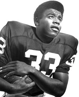 Photo - Eddie Hinton was a 1,000-yard receiver at OU. Photo by The Oklahoman Archive