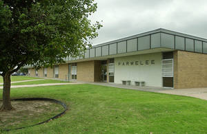 photo - Parmelee Elementary School, 6700 S Hudson, will be closed Friday because of questionable air quality. Construction at the school released dust into the air.  THE OKLAHOMAN ARCHIVES