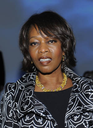 Photo - Alfre Woodard <strong>Peter Kramer</strong>