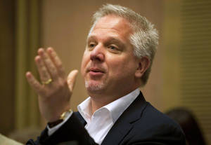 Photo -   FILE - In this July 11, 2011 file photo, radio talk show host Glenn Beck speaks in the Knesset, Israel's parliament, in Jerusalem. For a second straight day, Beck on Wednesday, Sept. 5, 2012 used his show to complain that an American Airlines flight attendant treated him rudely. Beck claims it was punishment for his conservative views. (AP Photo/Sebastian Scheiner, File)