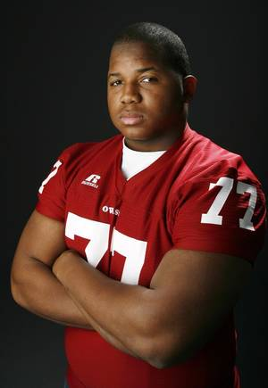 photo - HIGH SCHOOL FOOTBALL: All State football player Brandon Webb, Owasso, in the OPUBCO studio, Wednesday, Dec. 17, 2008. BY NATE BILLINGS