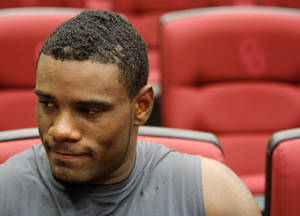photo - OU COLLEGE FOOTBALL / MUG: OU Sooner Ronnell Lewis listens to a question during media availability in the Red Room after University of Oklahoma football practice in Norman, Okla., Monday, September 20, 2010. Photo by Nate Billings, The Oklahoman ORG XMIT: KOD