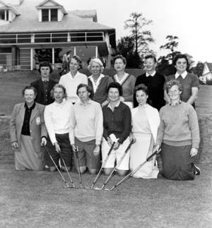 Photo - FILE - In this March 1959 photo, members of the LPGA International team pose for their first group photo at the Titleholders Golf Tourney, at an unknown location.  Kneeling in the front row from left to right are, Patty Berg, St. Andrews, Ill.;  Bonnie Randolph, Naples, Fla.; Louise Suggs, Sea Island, Ga.; Marlene Hagge, Delray Beach, Fla. and Wiffie Smith, St. Clair, Mich. Standing in back row from left are, Kathy Cornelius, Lake Worth, Fla.; Mickey Wright, San Diego, Ca.; Betty Jameson, San Antonio, Texas; Marilyn Smith, Wichita, Kansas; Beverly Hanson, Indio, Calif.,  and Fay Crocker, Wichita, Kansas. Beverly Hanson, rear, second from right, who died April 12, won 17 times and three majors in the first decade of the LPGA Tour. (AP Photo/File)