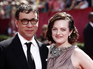 Photo - Fred Armisen, Elisabeth Moss.