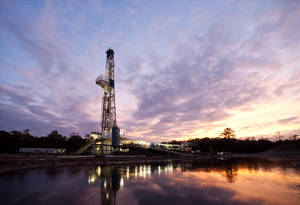 Photo - A Chesapeake Energy Corp. drilling rig in the Haynesville Shale near Shreveport, La. Chesapeake owns a leading position in the natural gas play.  PHOTO PROVIDED