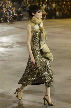 Photo - A model walks the runway during the Marc Jacobs Fall 2013 fashion show Fashion Week in New York, Thursday, Feb. 14, 2013.  (AP Photo/Kathy Willens)