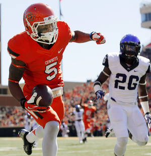 Photo - After six games one thing is certain, OSU receiver Josh Stewart one of the best in the Big 12.  Photo by Nate Billings, The Oklahoman