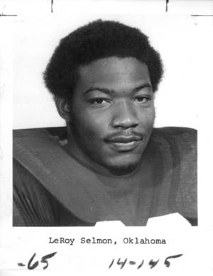 "photo - Lee Roy Selmon, OU Football ""Former Sooner Lee Roy selmon has been placed on injured reserve by Tampa Bay because of knee ligament damage which will require surgery."" 9-19-1974"